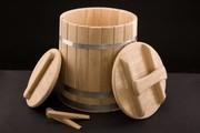 Кадки для солений,  квашения,  ёмкости для мёда из дерева.