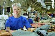 Квалифицированные швеи для работы на литовской швейной фабрике